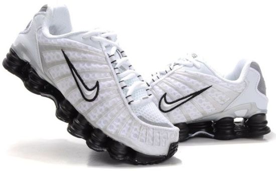 История кроссовок Nike