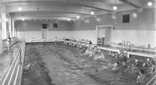 История бассейнов