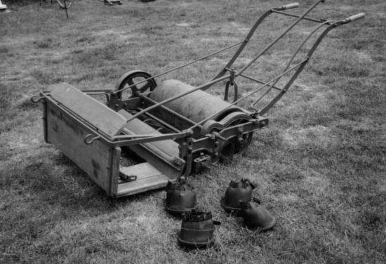 История газонокосилки
