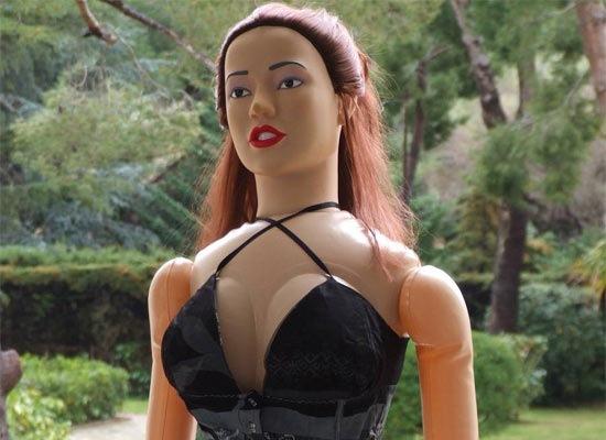 История первой секс-куклы
